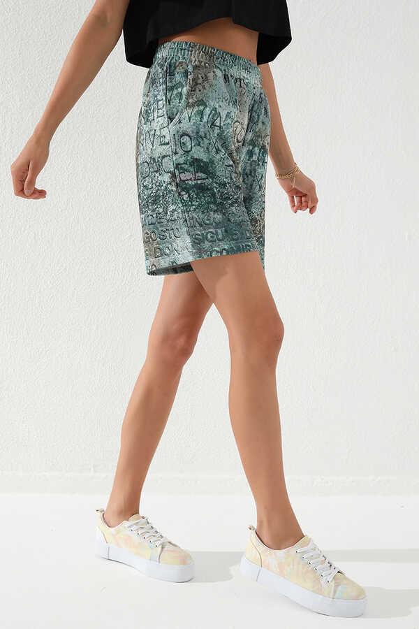 Tommy Life Toptan Haki Kadın Yazı Baskılı Batik Desenli Bağcıklı Rahat Form Bermuda Şort-91004