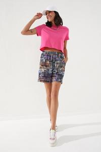 TommyLife - Tommy Life Toptan Mor Kadın Yazı Baskılı Batik Desenli Bağcıklı Rahat Form Bermuda Şort-91006