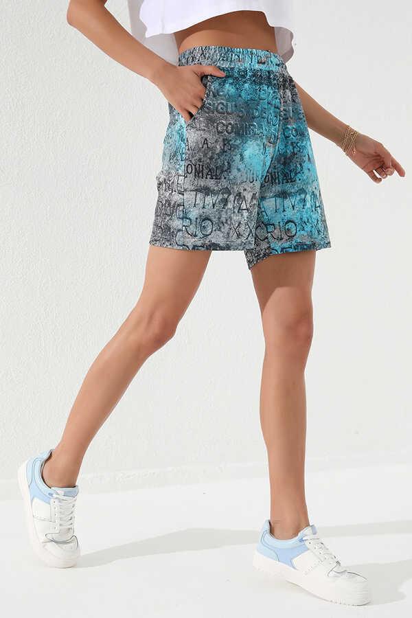 Tommy Life Toptan Turkuaz Kadın Yazı Baskılı Batik Desenli Bağcıklı Rahat Form Bermuda Şort-91004
