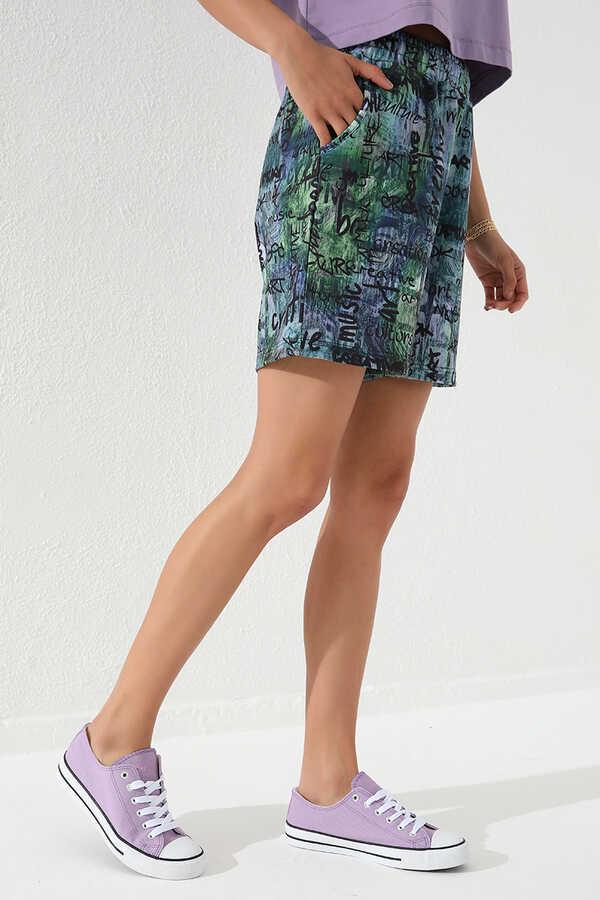 Tommy Life Toptan Yeşil Kadın Yazı Baskılı Batik Desenli Bağcıklı Rahat Form Bermuda Şort-91006