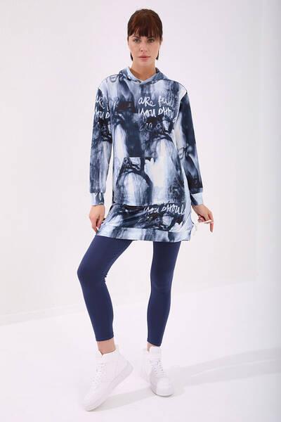TommyLife - Tommy Life Toptan İndigo Kadın Kadın Yazı Detaylı Batik Desenli Rahat Form Kapüşonlu Tunik Kadın Sweatshirt - 97123