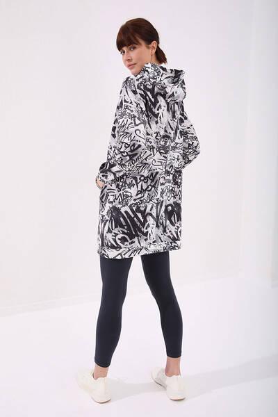 TommyLife - Tommy Life Toptan Siyah Kadın Graffiti Desenli Kanguru Cep Rahat Form Kapüşonlu Kadın Sweatshirt