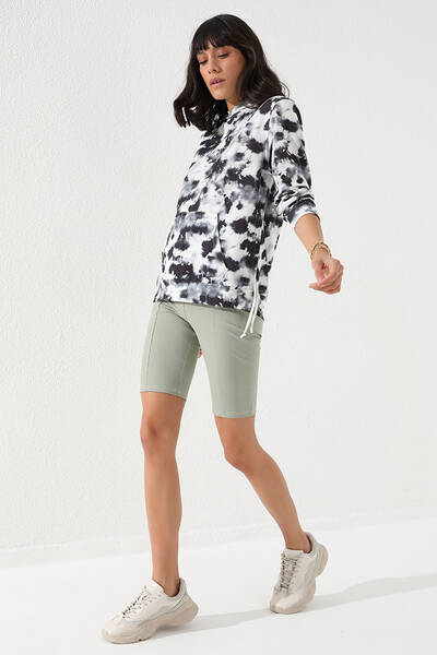 TommyLife - Tommy Life Toptan Siyah Kadın Karışık Batik Desenli Kanguru Cep Rahat Form Kapüşonlu Sweatshirt-97130