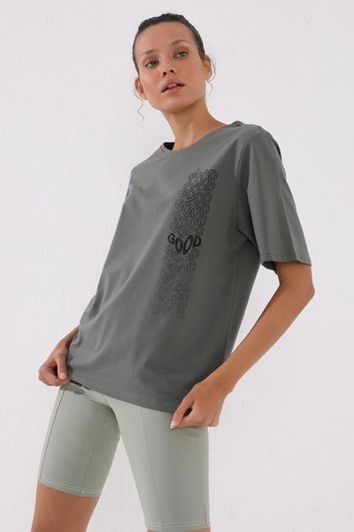 TommyLife - Tommy Life Toptan Çağla Kadın Deforme Yazı Baskılı Oversize O Yaka T-Shirt - 97134