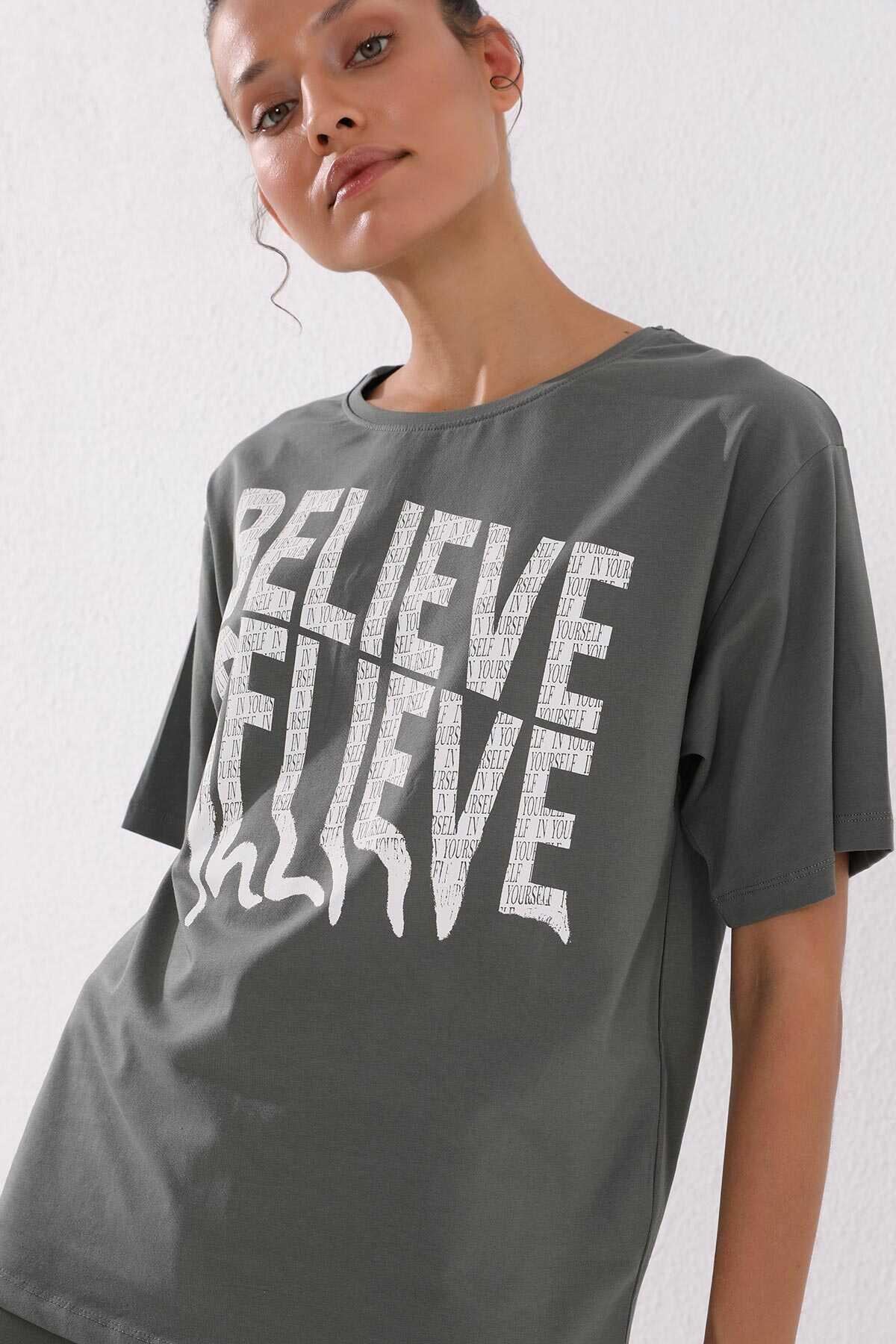 Tommy Life Toptan Çağla Kadın Deforme Yazı Baskılı Oversize O Yaka T-Shirt - 97139