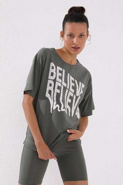 Tommy Life Toptan Çağla Kadın Deforme Yazı Baskılı Oversize O Yaka T-Shirt - 97139 - Thumbnail