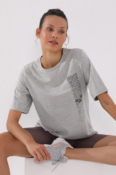 TommyLife - Tommy Life Toptan Gri Melanj Kadın Deforme Yazı Baskılı Oversize O Yaka T-Shirt - 97134