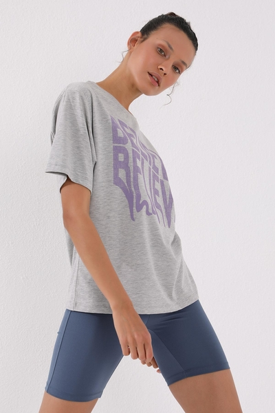 TommyLife - Tommy Life Toptan Gri Melanj Kadın Deforme Yazı Baskılı Oversize O Yaka T-Shirt - 97139