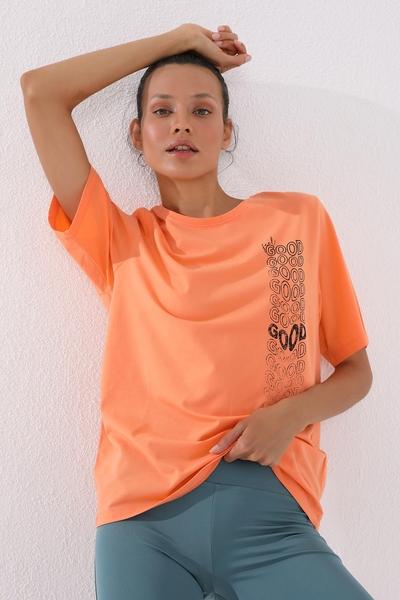 TommyLife - Tommy Life Toptan Mercan Kadın Deforme Yazı Baskılı Oversize O Yaka T-Shirt - 97134
