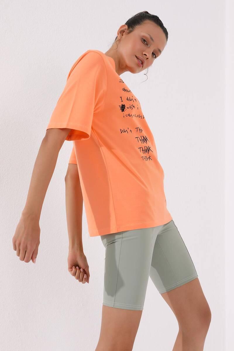 TommyLife - Tommy Life Toptan Mercan Kadın El Yazısı Baskılı Oversize O Yaka T-Shirt - 97137