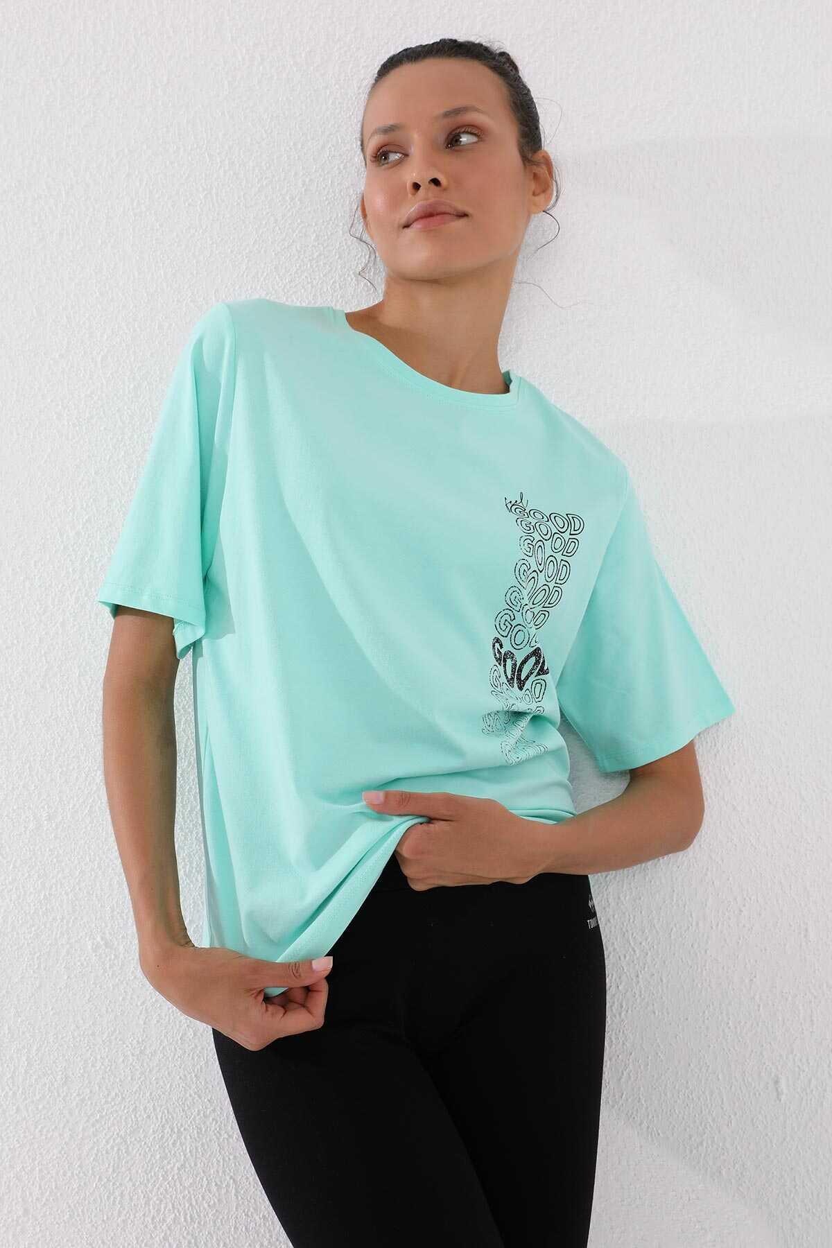 Tommy Life Toptan Mint Yeşili Kadın Deforme Yazı Baskılı Oversize O Yaka T-Shirt - 97134