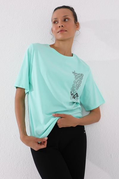 Tommy Life Toptan Mint Yeşili Kadın Deforme Yazı Baskılı Oversize O Yaka T-Shirt - 97134 - Thumbnail