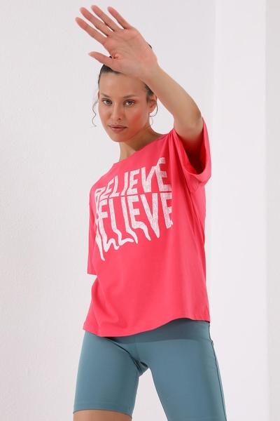TommyLife - Tommy Life Toptan Rose Kadın Deforme Yazı Baskılı Oversize O Yaka T-Shirt - 97139