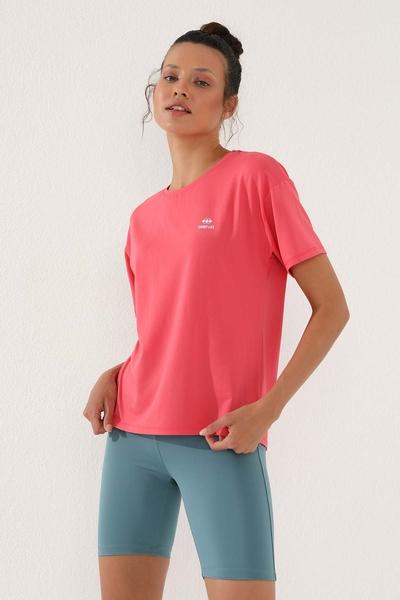 TommyLife - Tommy Life Toptan Rose Kadın Arkası Uzun Kısa Kol Standart Kalıp O Yaka T-Shirt - 97152