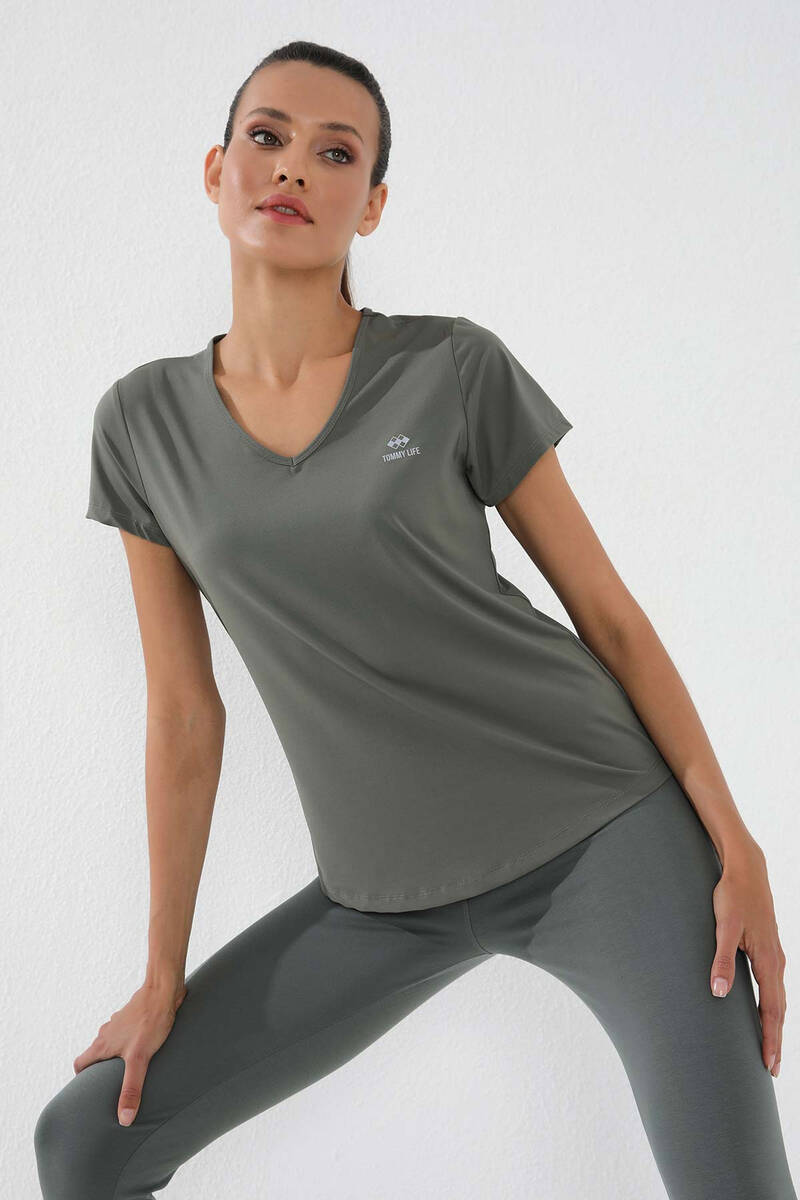 TommyLife - Tommy Life Toptan Çağla Kadın Basic Kısa Kol Standart Kalıp V Yaka T-Shirt - 97145
