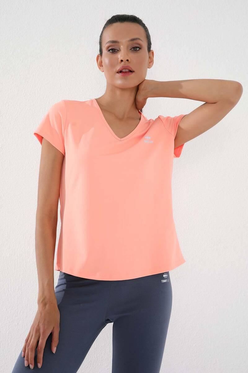 TommyLife - Tommy Life Toptan Mercan Kadın Basic Kısa Kol Standart Kalıp V Yaka T-Shirt - 97145