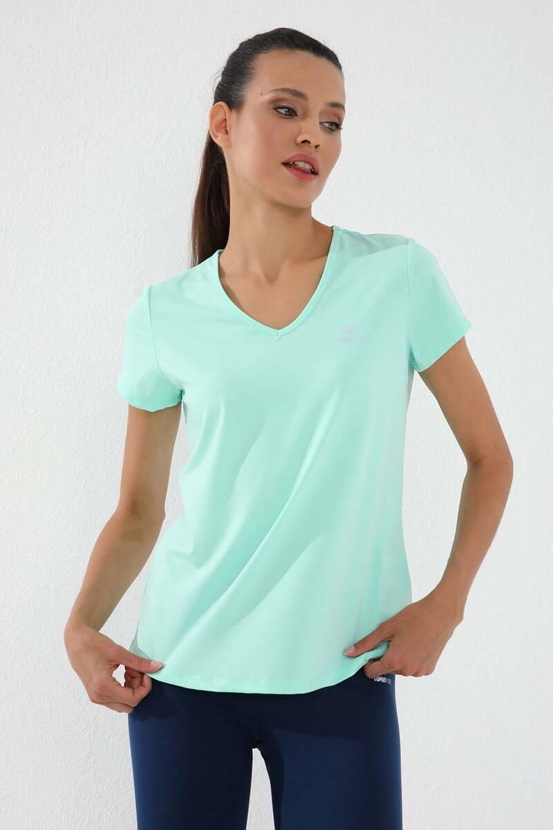 TommyLife - Tommy Life Toptan Mint Yeşili Kadın Basic Kısa Kol Standart Kalıp V Yaka T-Shirt - 97145