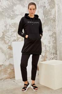 Tommy Life Toptan Siyah-Siyah Kadın Kapüşonlu Yazı Nakışlı Rahat Form Dar Paça Eşofman Tunik Takım-95246 - Thumbnail