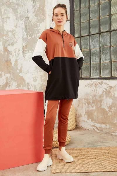 TommyLife - Tommy Life Toptan Üç Renk Garnili Kapüşonlu Tarçın-Tarçın Kadın Tunik Takım