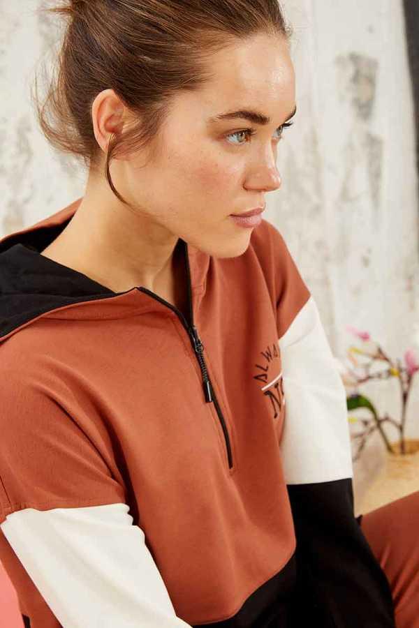 Tommy Life Toptan Tarçın Kadın Yarım Fermuar Cepli Rahat Form Jogger Eşofman Tunik Takım-95249