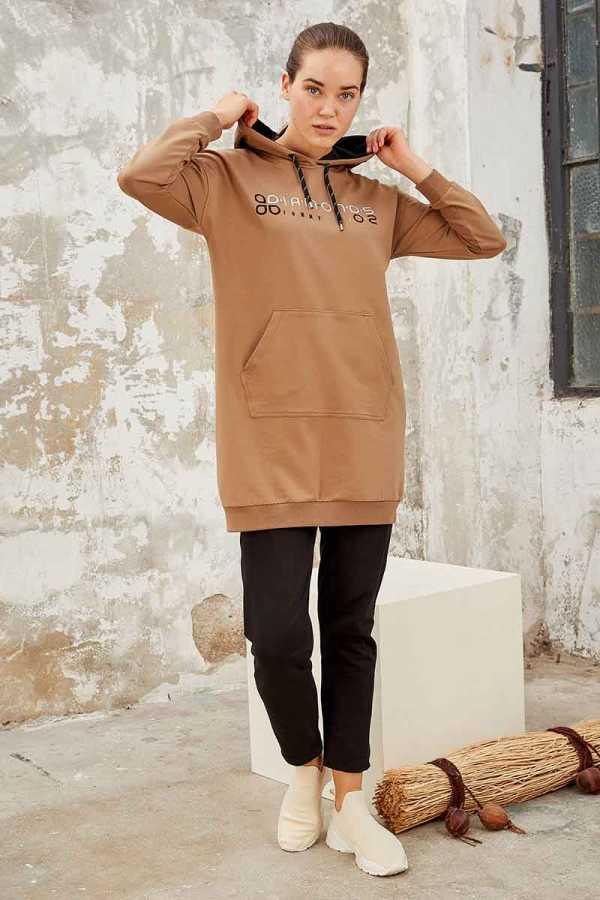 Tommy Life Toptan Toprak-Siyah Kadın Kapüşonlu Yazı Nakışlı Rahat Form Dar Paça Eşofman Tunik Takım-95246