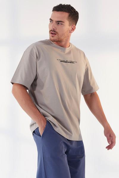 TommyLife - Tommy Life Toptan Koyu Bej Erkek Yazı Baskılı Oversize O Yaka T-Shirt - 87984