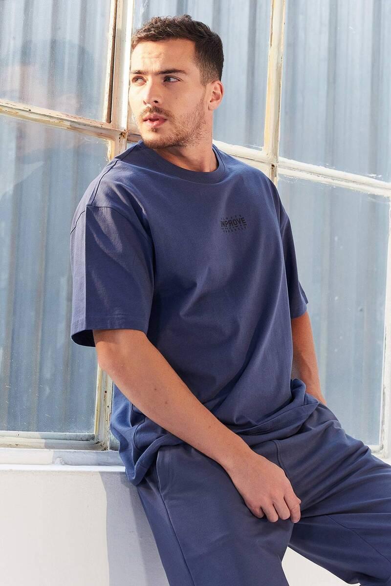TommyLife - Tommy Life Toptan Petrol Erkek Küçük Yazı Baskılı Oversize O Yaka T-Shirt - 87985
