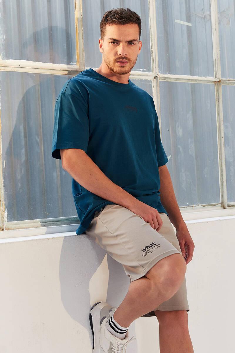 TommyLife - Tommy Life Toptan Zümrüt Erkek Küçük Yazı Baskılı Oversize O Yaka T-Shirt - 87985