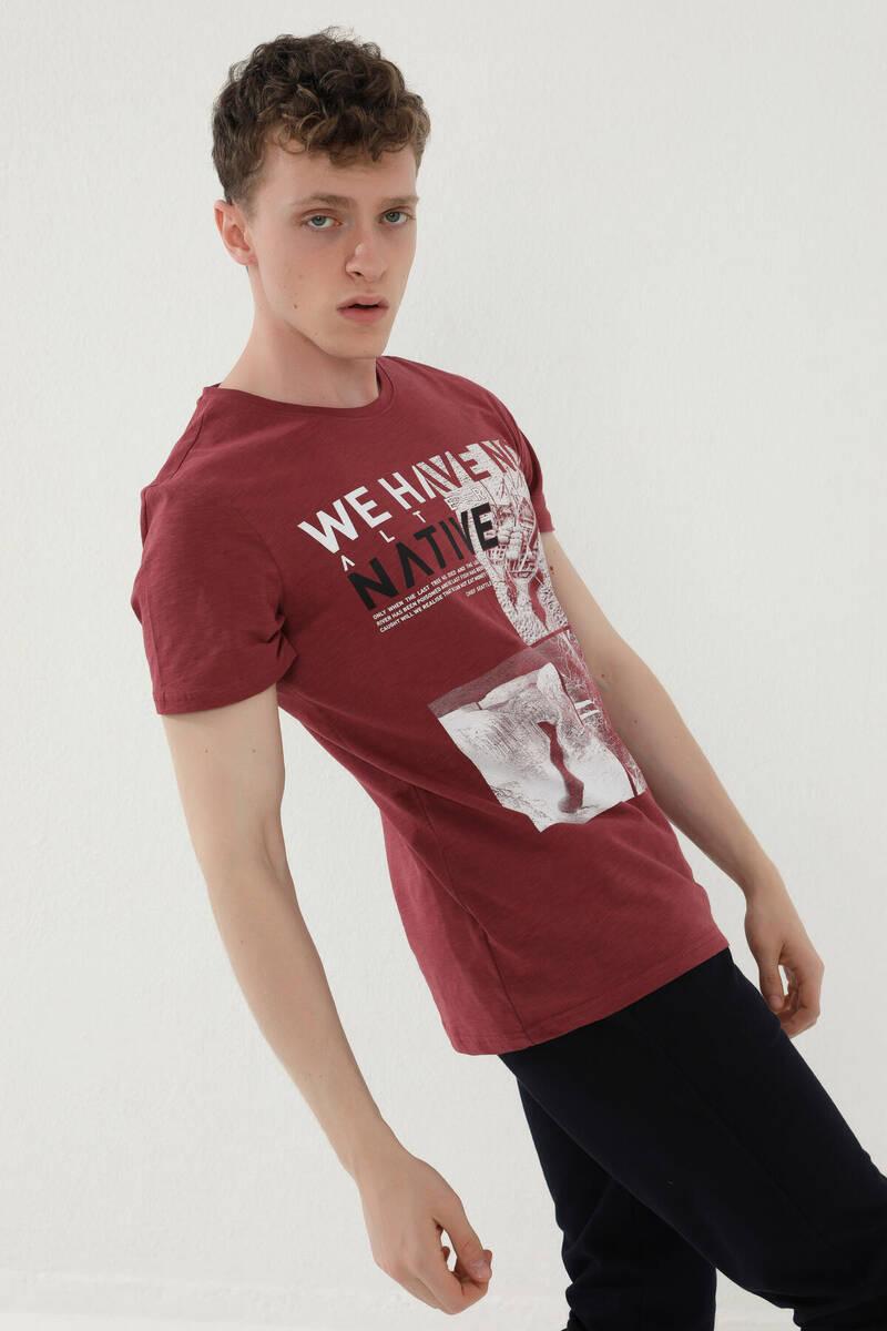 TommyLife - Tommy Life Toptan Bordo Erkek Yazı Detaylı Resim Baskılı Standart Kalıp O Yaka T-Shirt - 87972