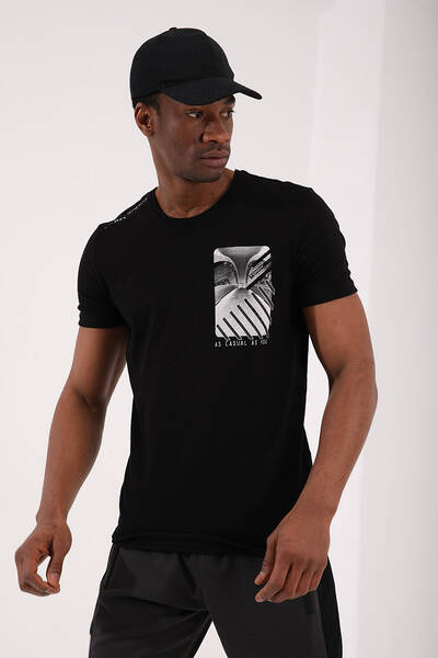 TommyLife - Tommy Life Toptan Siyah Erkek Göğüs Baskılı Koordinat Detaylı Standart Kalıp O Yaka T-Shirt - 87894